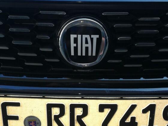 Schwarze Fiat Logo