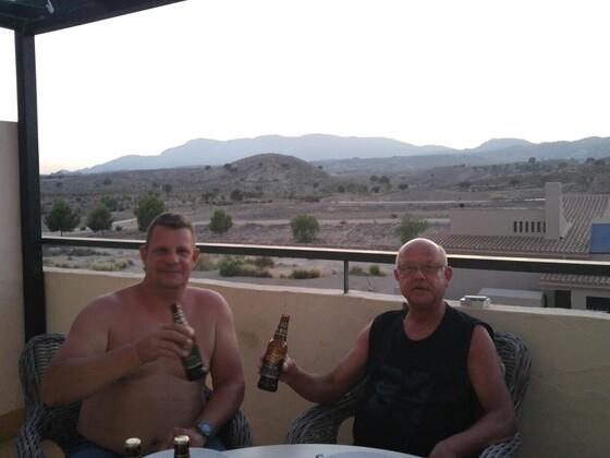 Manni und ich beim ersten spanischen Tipo Stuhlkreis