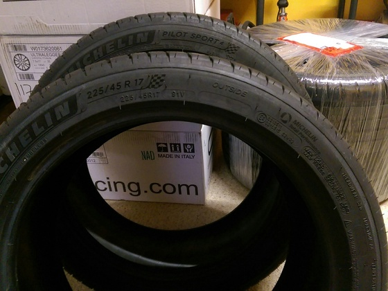 Michelin PS4 225/45 R17