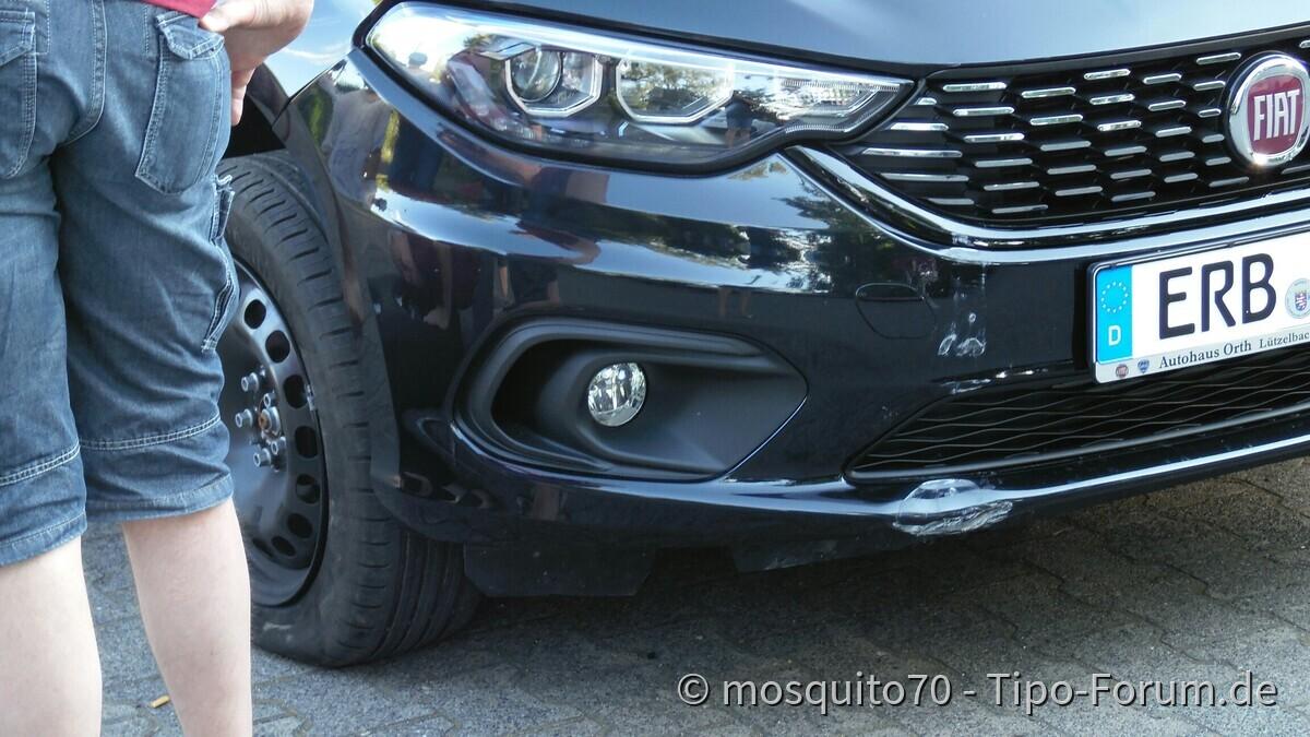 Schaden an Torsten Auto. Der einzige nicht so schöne Moment des Treffens