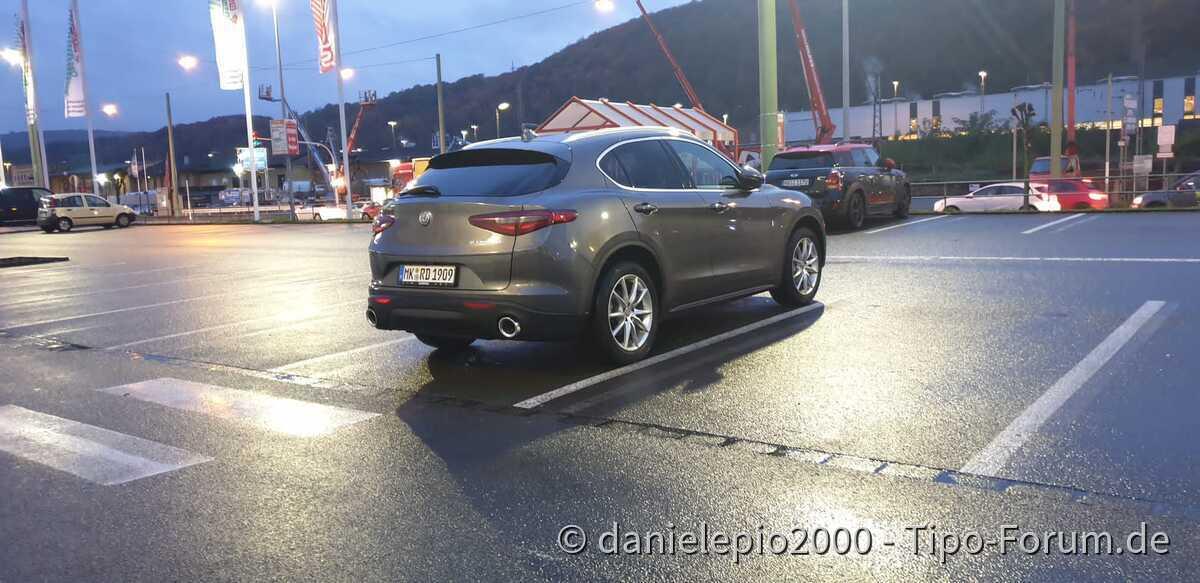 Alfa Romeo Stelvio Super 2.2 L 210 PS Neues Familien Mitglied